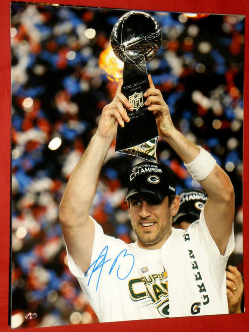 AARON RODGERS GREEN BAY PACKERS AUTOGRAPHED 16X20 PHOTO AASH SUPER BOWL TROPHY