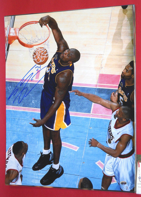 SHAQUILLE O'NEAL AUTOGRAPHED LOS ANGELES LAKERS 16X20 PHOTO AASH SHAQ