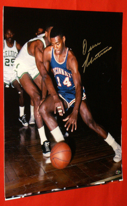 OSCAR ROBERTSON AUTOGRAPHED CINCINNATI ROYALS 16X20 PHOTO AASH METALLIC BIG O