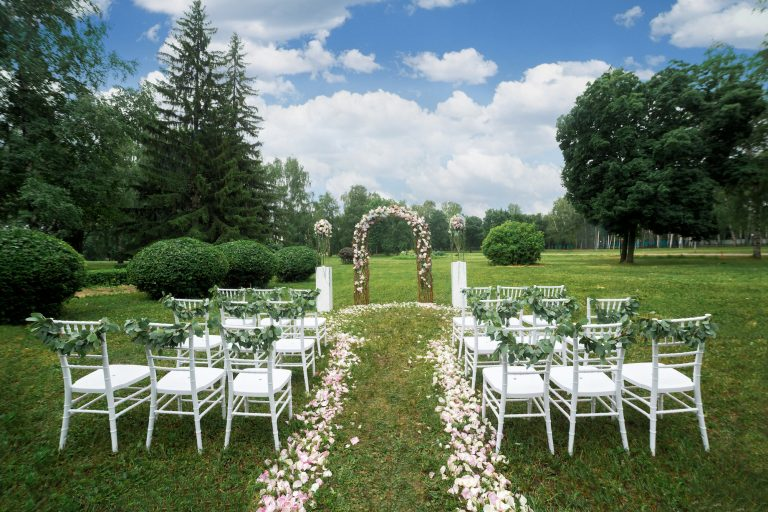 outdoor-wedding-venues-768x512.jpg
