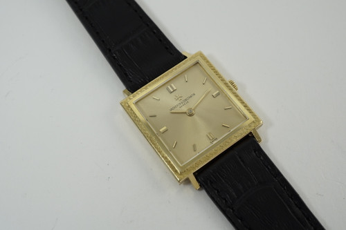 Vacheron Constantin 6787 Square 18k yellow gold c. 1965-70 vintage rare all original pre owned for sale houston fabsuisse
