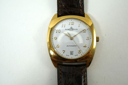 Baume & Mercier MVO 45176 Milleis Solid 18k yellow gold automatic w/ date box & books 1990's pre owned for sale houston fabsuisse