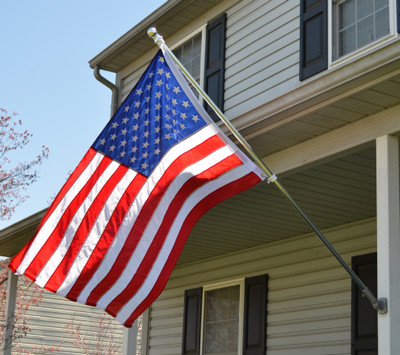 Tangle Free Flag Pole and Bracket -White