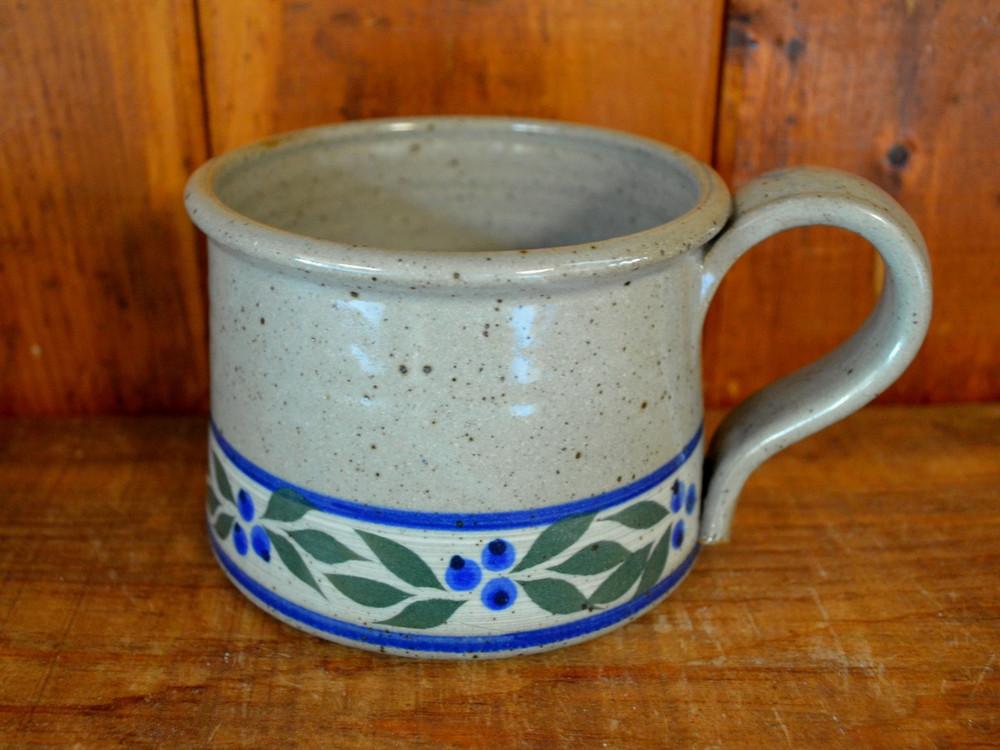 Chowder Mug in Speckled Grey with Blueberry Trim