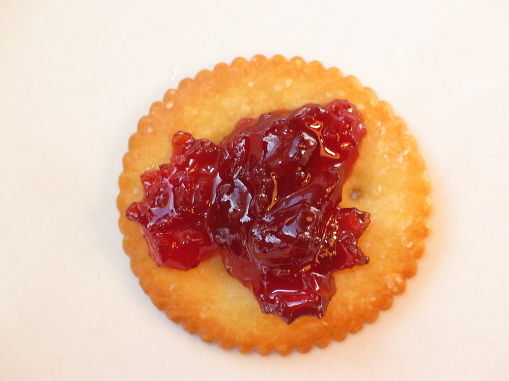 Cranberry Peach Chutney on a Ritz