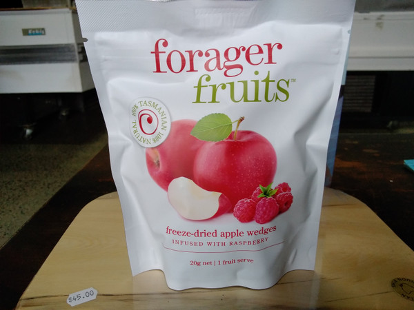 Forager Fruits freeze dried apple infused with raspberries (15 - 20g)