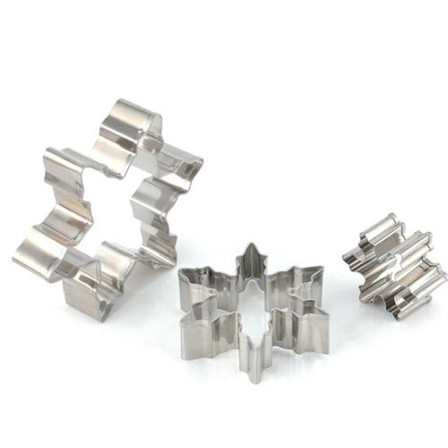 Snowflake 3pc Tin Plate Cutter Set