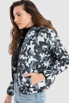 Puffer Jacket with Hood in Camouflage