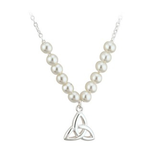 Pearl Trinity knot Necklet