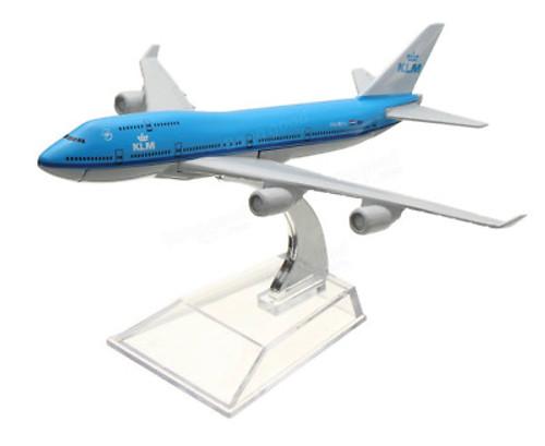 KLM 747 Toy Model