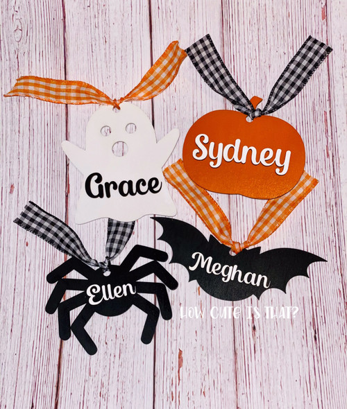Our wooden Halloween tags are perfect for your kids' trick or treat bags or great for your neighborhood boo bags