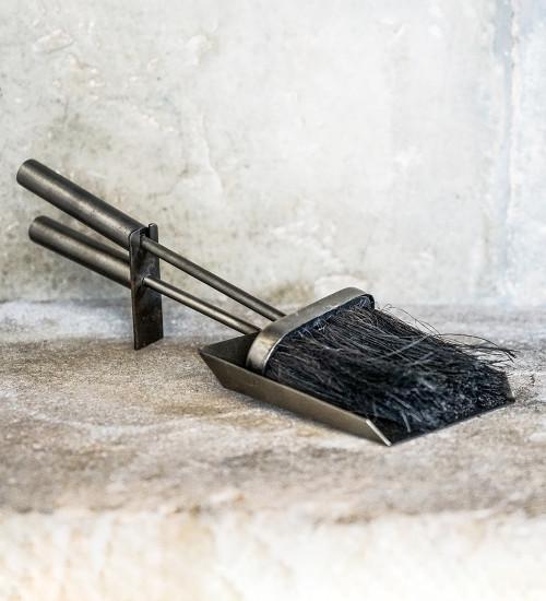 炉边刷子和铁锹套装