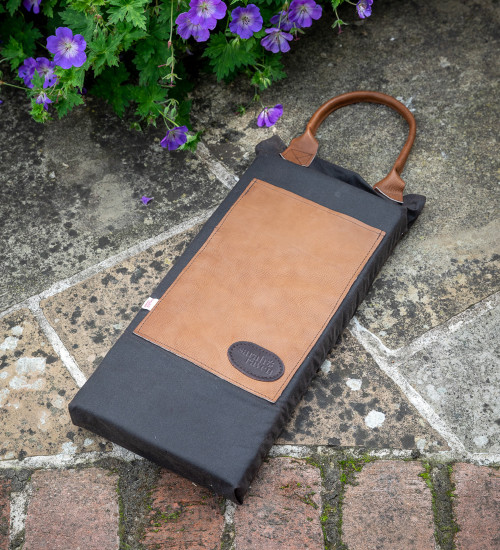 Heritage Waxed Cotton & Leather Kneeler