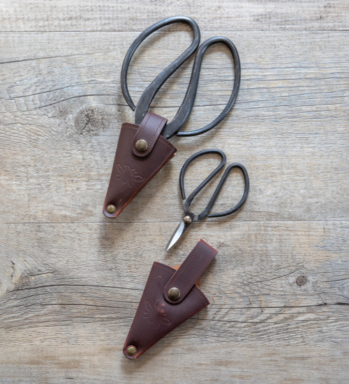 Snips in Leather Pouch