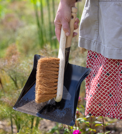 Garden Dustpan and Brush