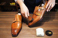 How to Shine Men's Shoes Like a Professional