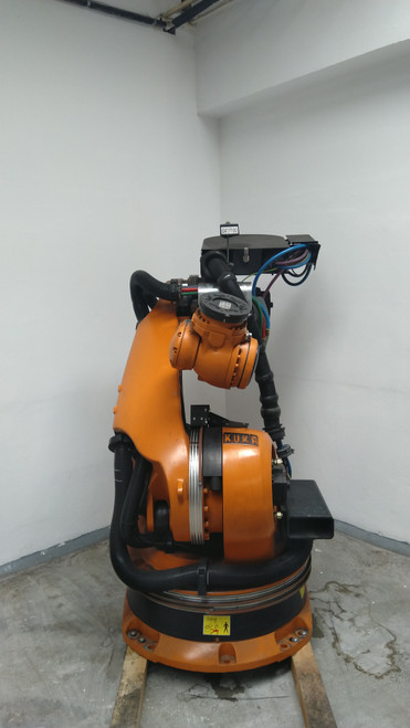 KUKA ROBOT KR210 2004 KRC2