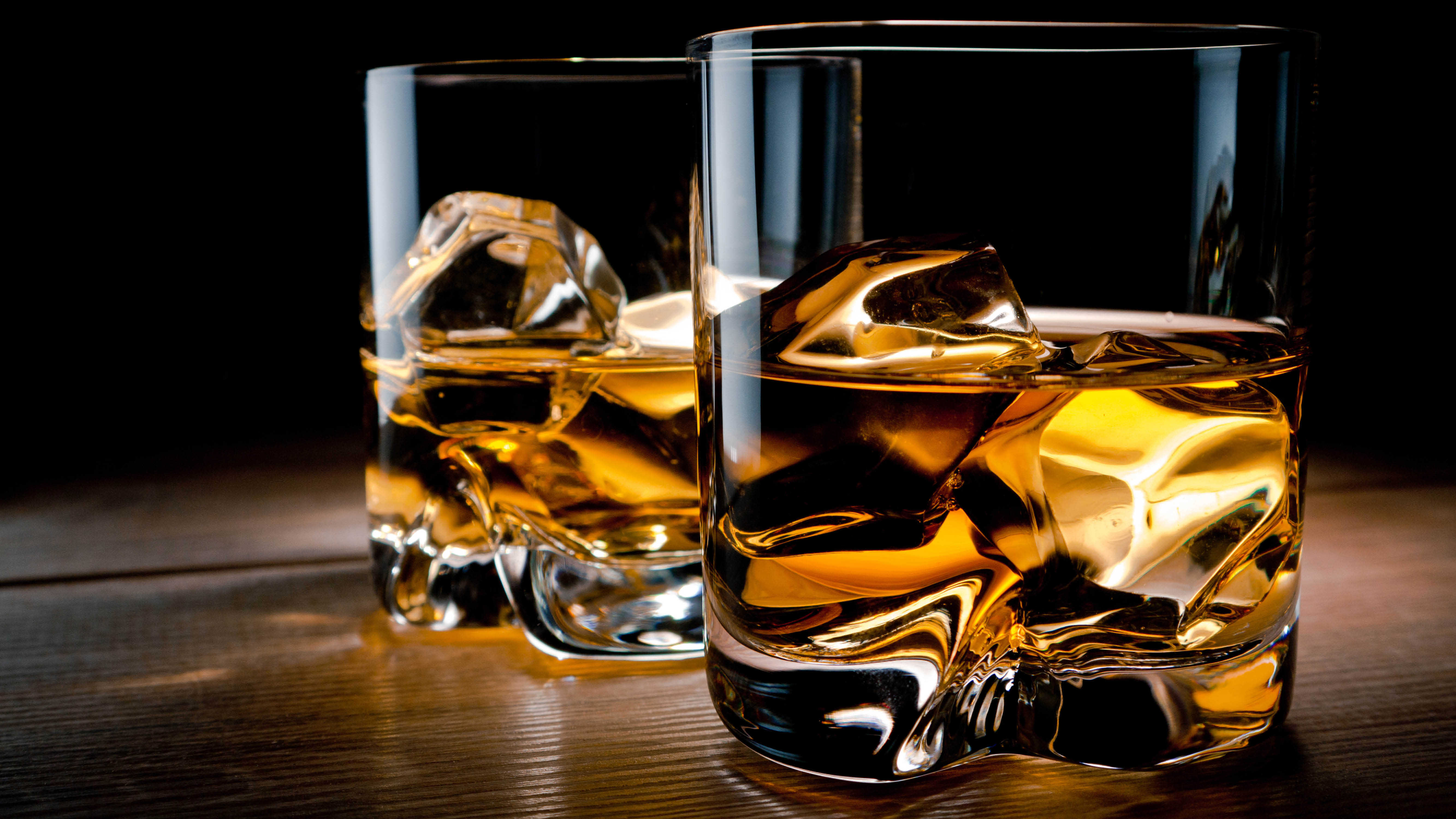 whisky-whisky-neat-dark-profile.jpg