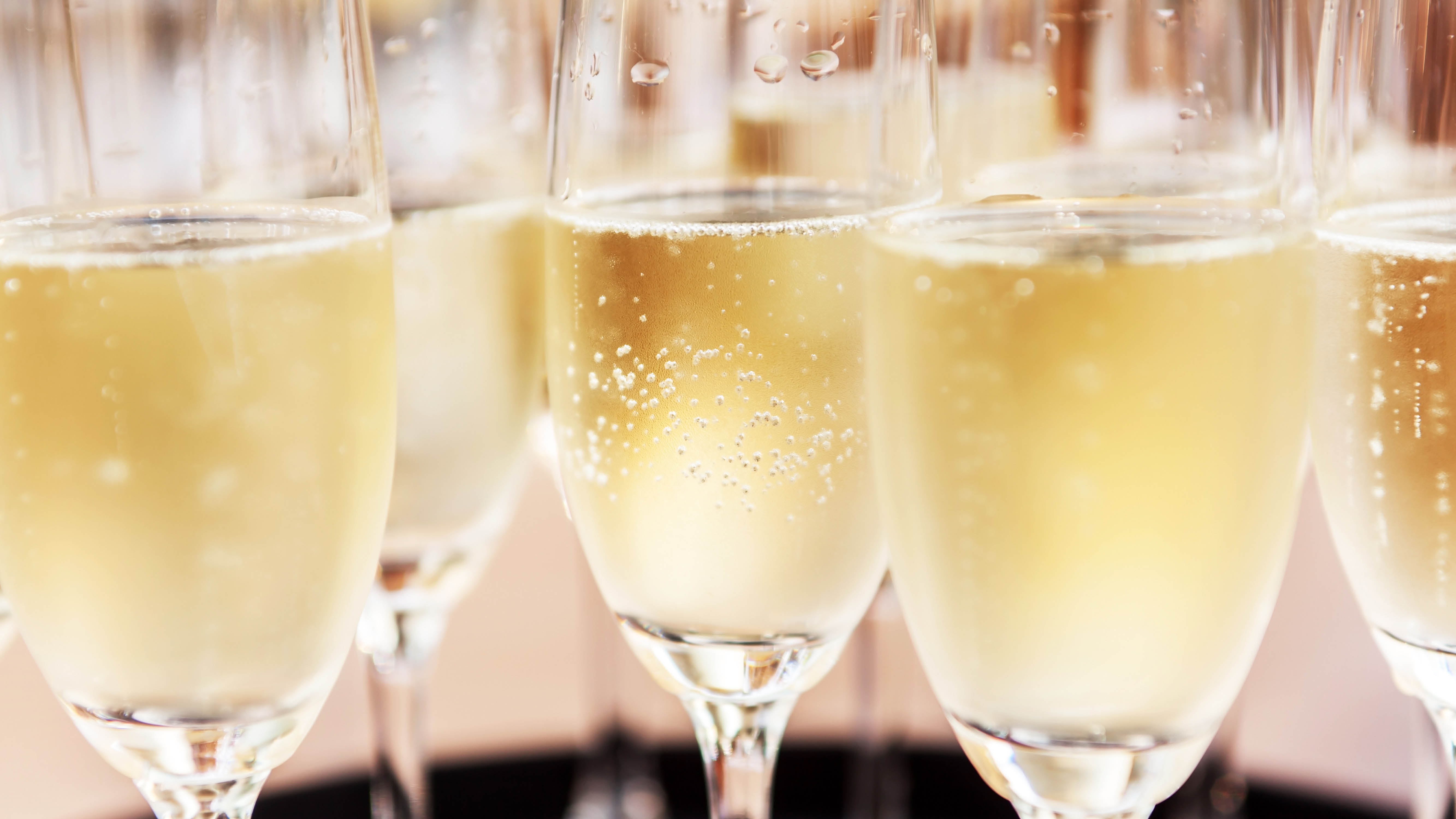 wine-champagne-or-sparkling.jpg