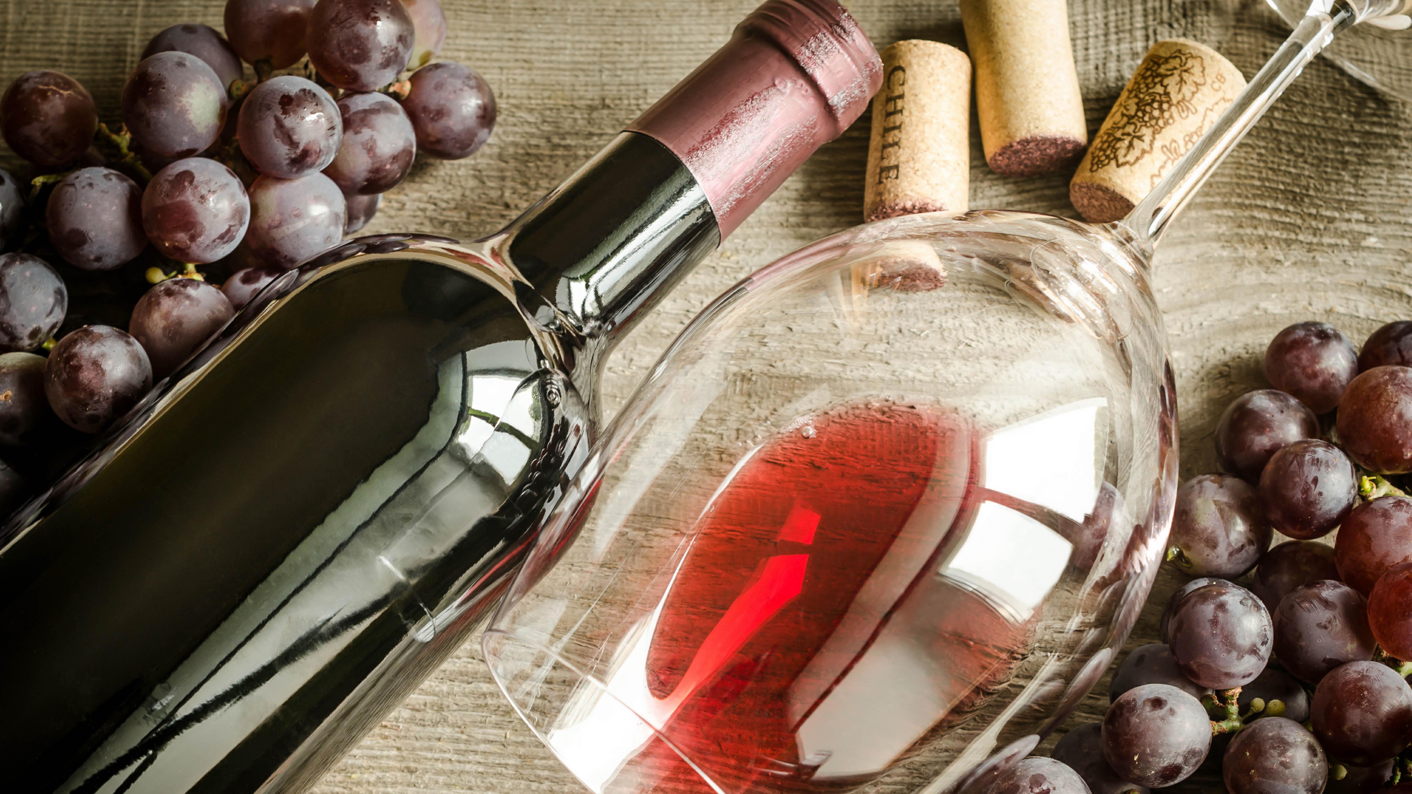 wine-flat-lay-bottle-glass-grapes.jpg