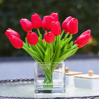 20 Pieces Artificial Real Touch Tulips Flower Arrangement in  Cube Glass Vase With Faux Water(Red)