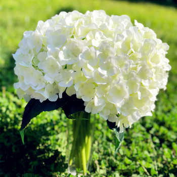 Hydrangea Bouquet with Glass Vase for Home Wedding Decoration