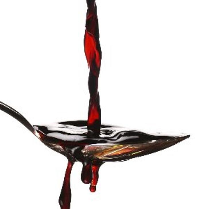 Balsamic Vinegar Pouring