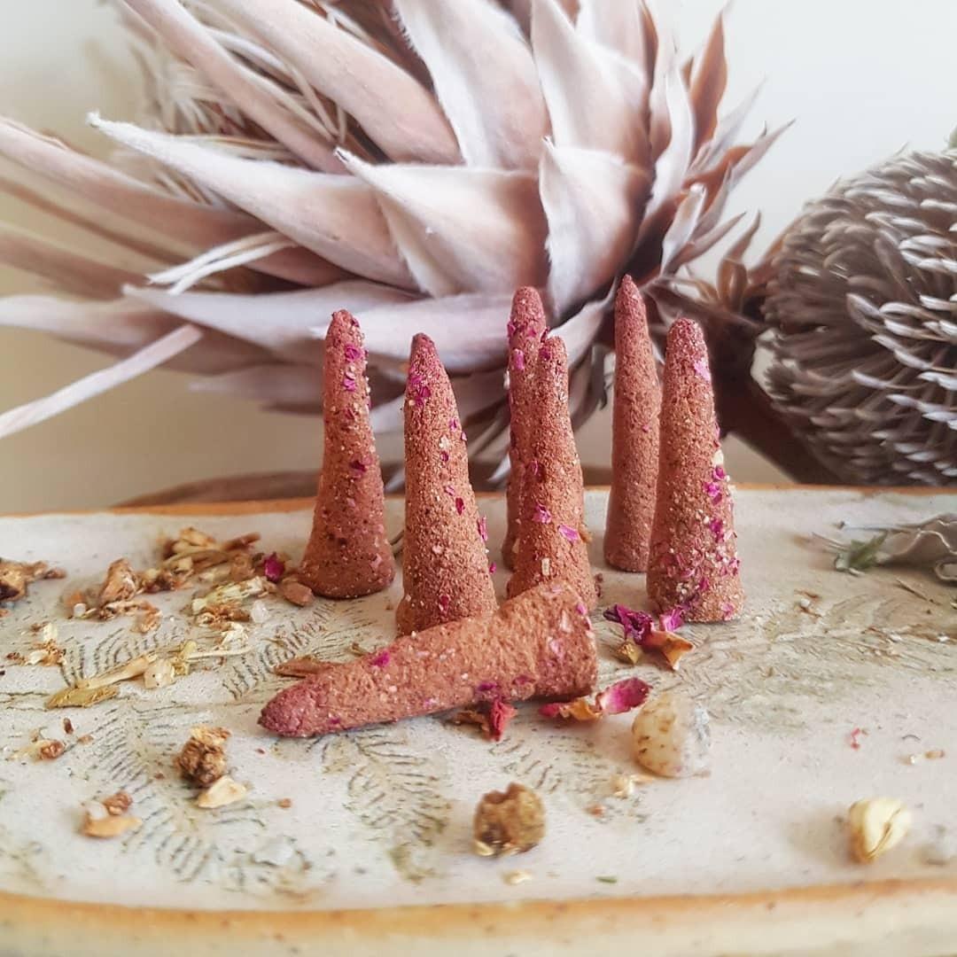 Lulanimoon Therapies Mavia incense cones