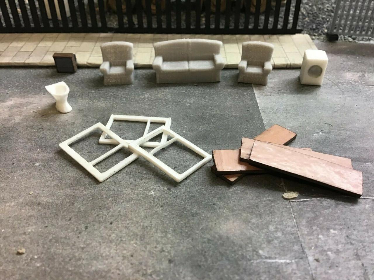 Lineside / Trackside Junk in OO Gauge / 1:76 scale