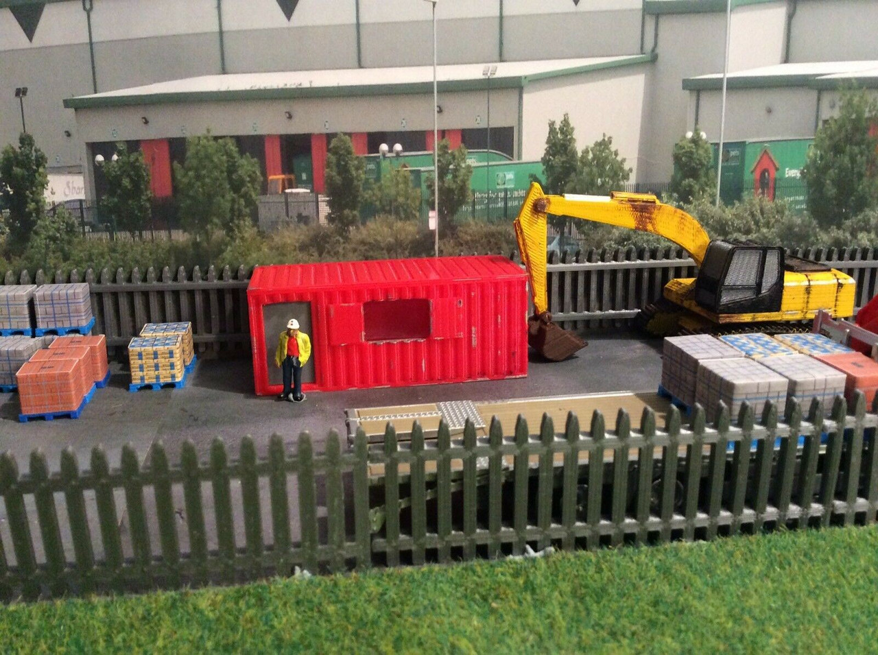 1/76 Scale 3D Printed Site container Office/canteen (red)