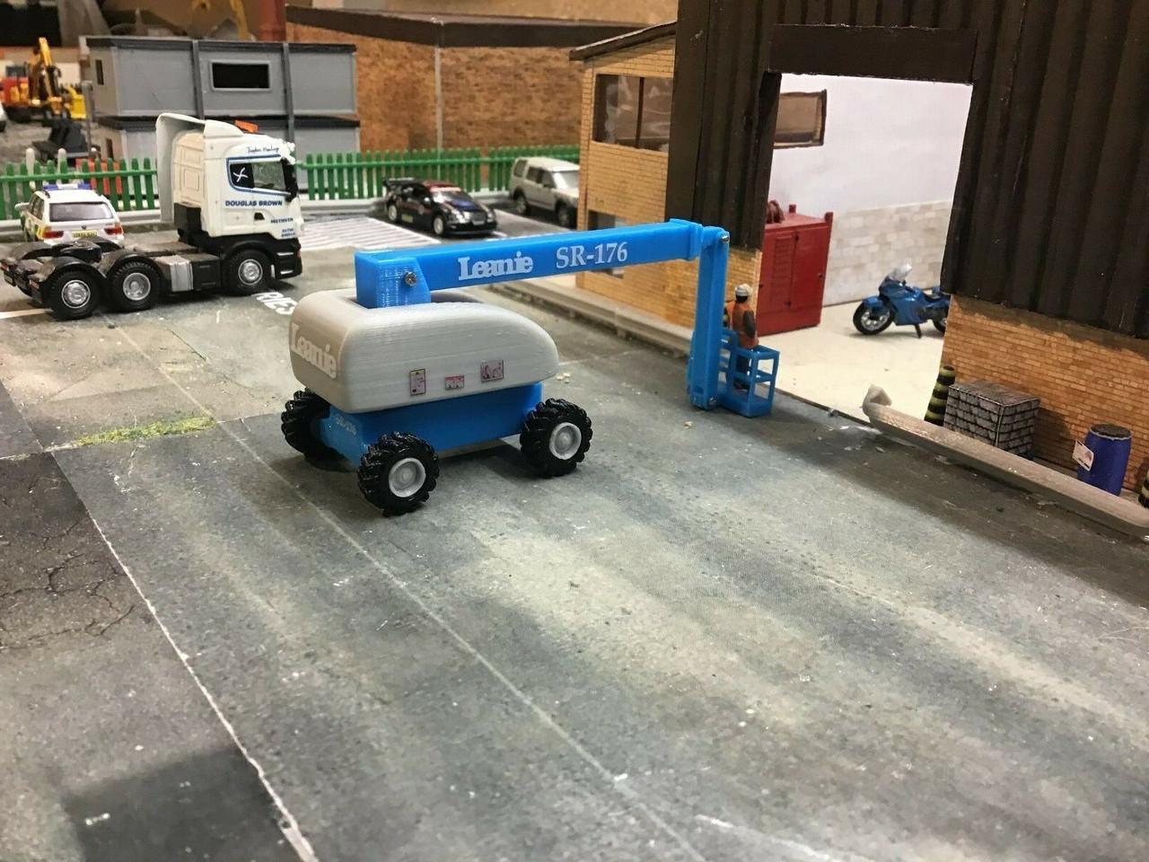 1.76 and OO Gauge 3D Printed Leanie Cherry Picker - Blue