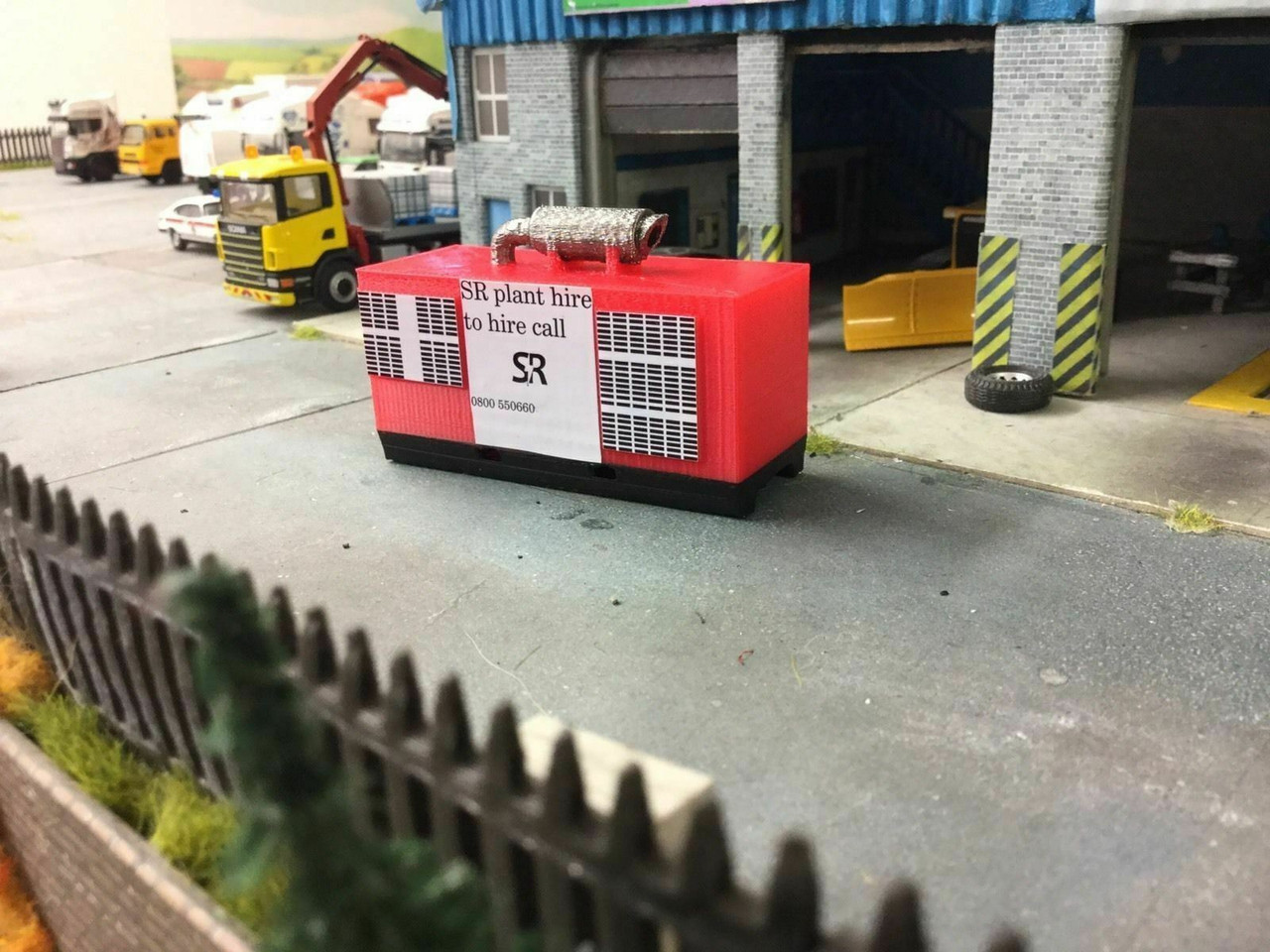 1:76 3D Printed Large Generator (Red)