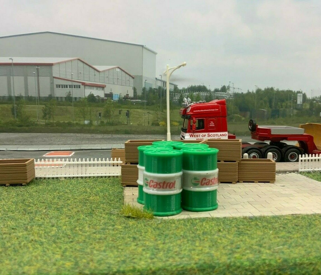 4X 3D Printed  1/32 Scale Green & White Oil Barrel , Accessories , Load, Diorama