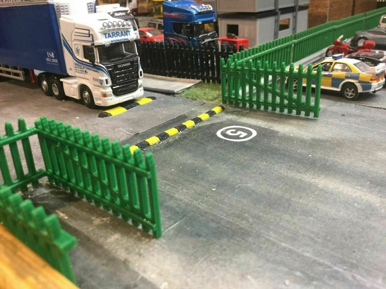 1:76 and 00 gauge 3D printed security fence (green)
