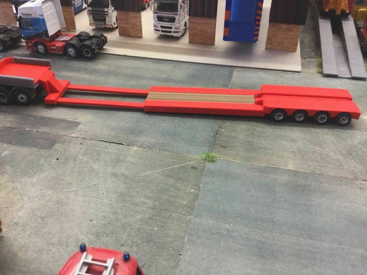 1.76 3D Printed Extendable Low Loader Trailer -Red