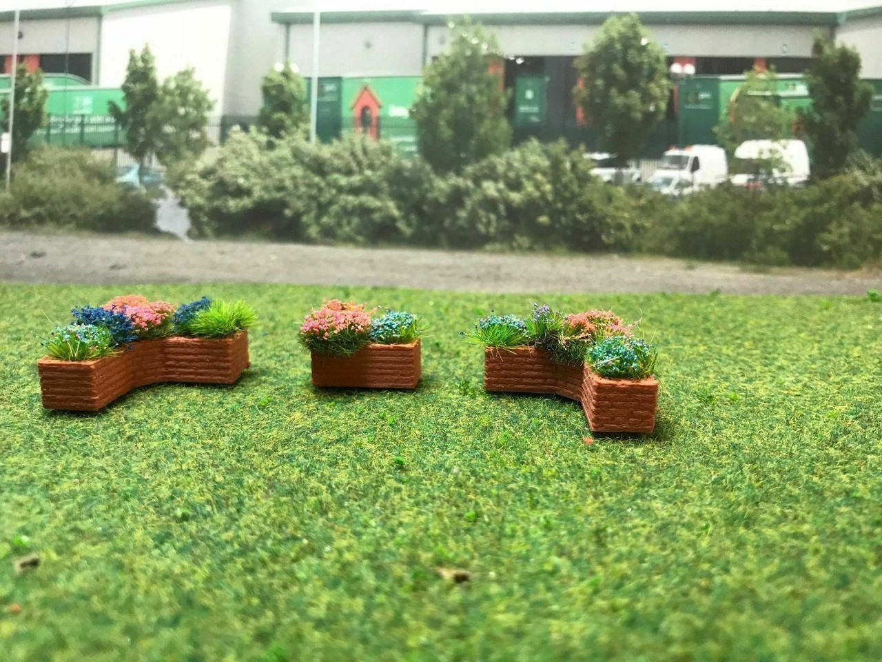 1.76 3D Printed planters with flowers - 3pkt