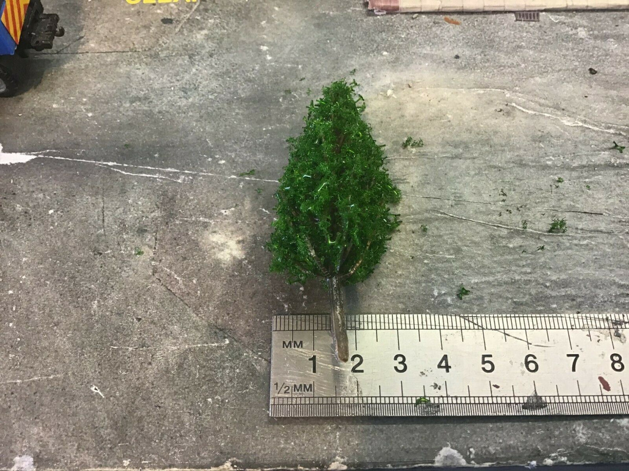 00 gauge 1/76  pack of 4x trees, Various sizes