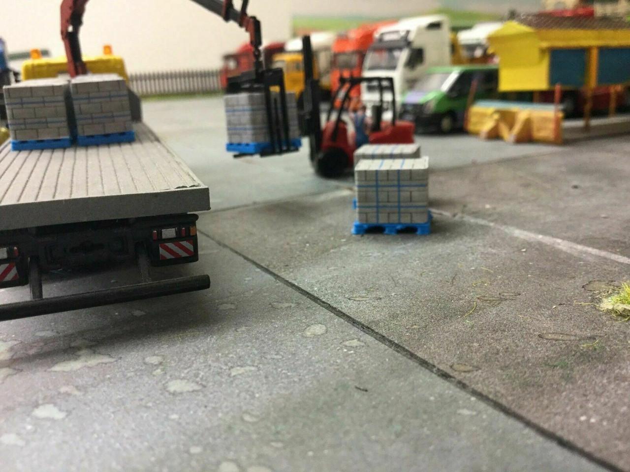 1:76 3D Printed Concrete Block Pallet with Load - 10pk
