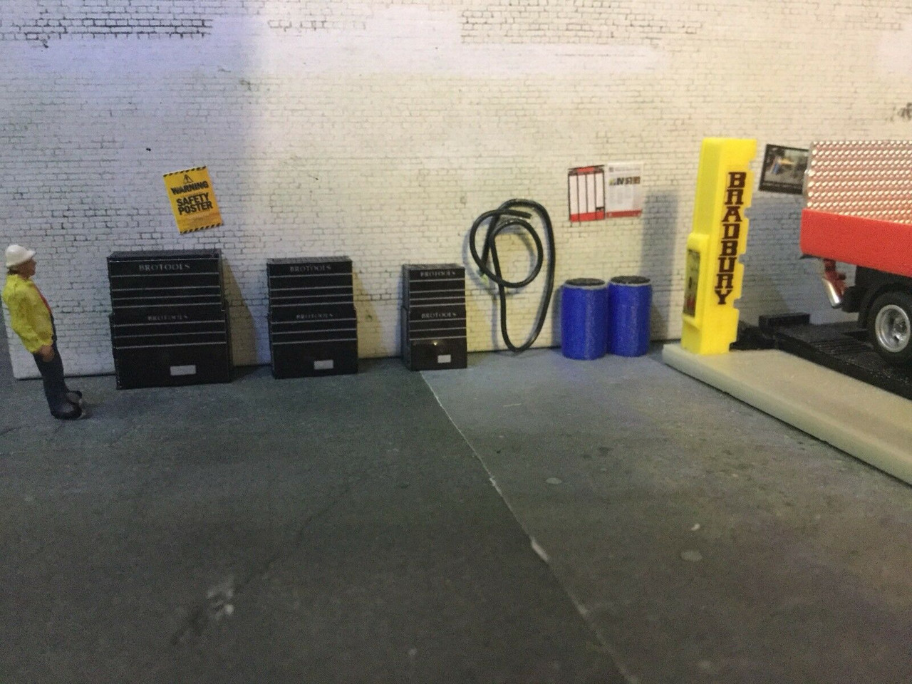 1:76 scale/00 Gauge 3D Printed Tool Cabinets (black)