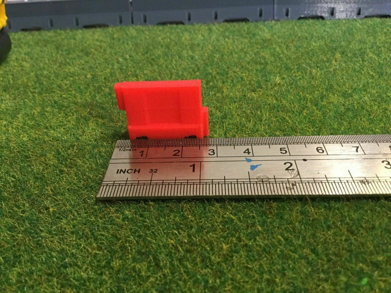 1:50 3D Printed Red and White Barrier - 10pkt