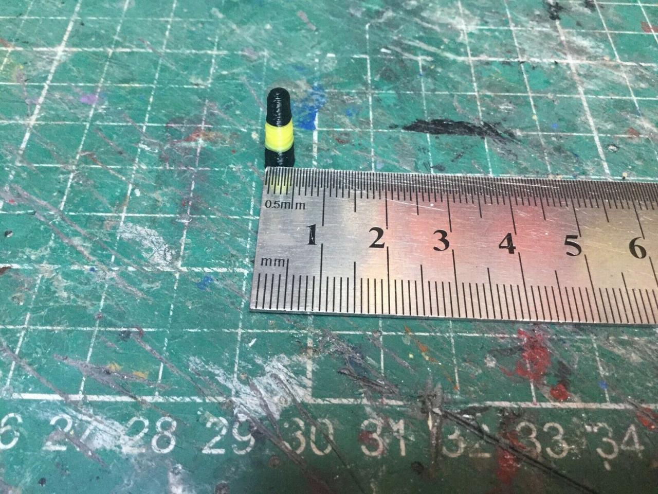 1/76 ,00 gauge 3D printed Black & Yellow Bollards  pack of 12