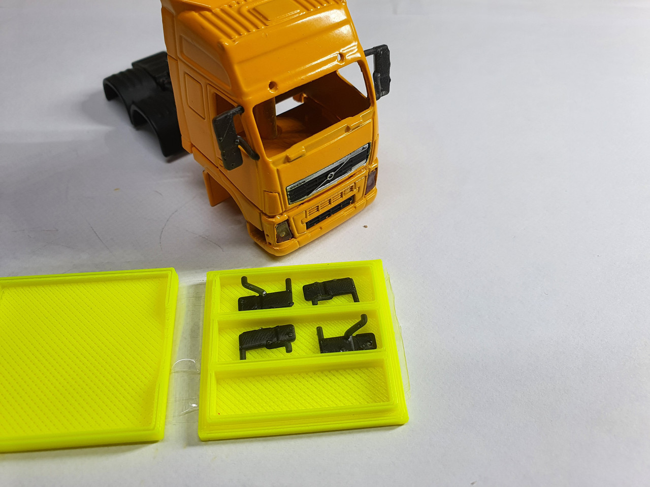 1:76 scale volvo FH mirrors (resin printed)