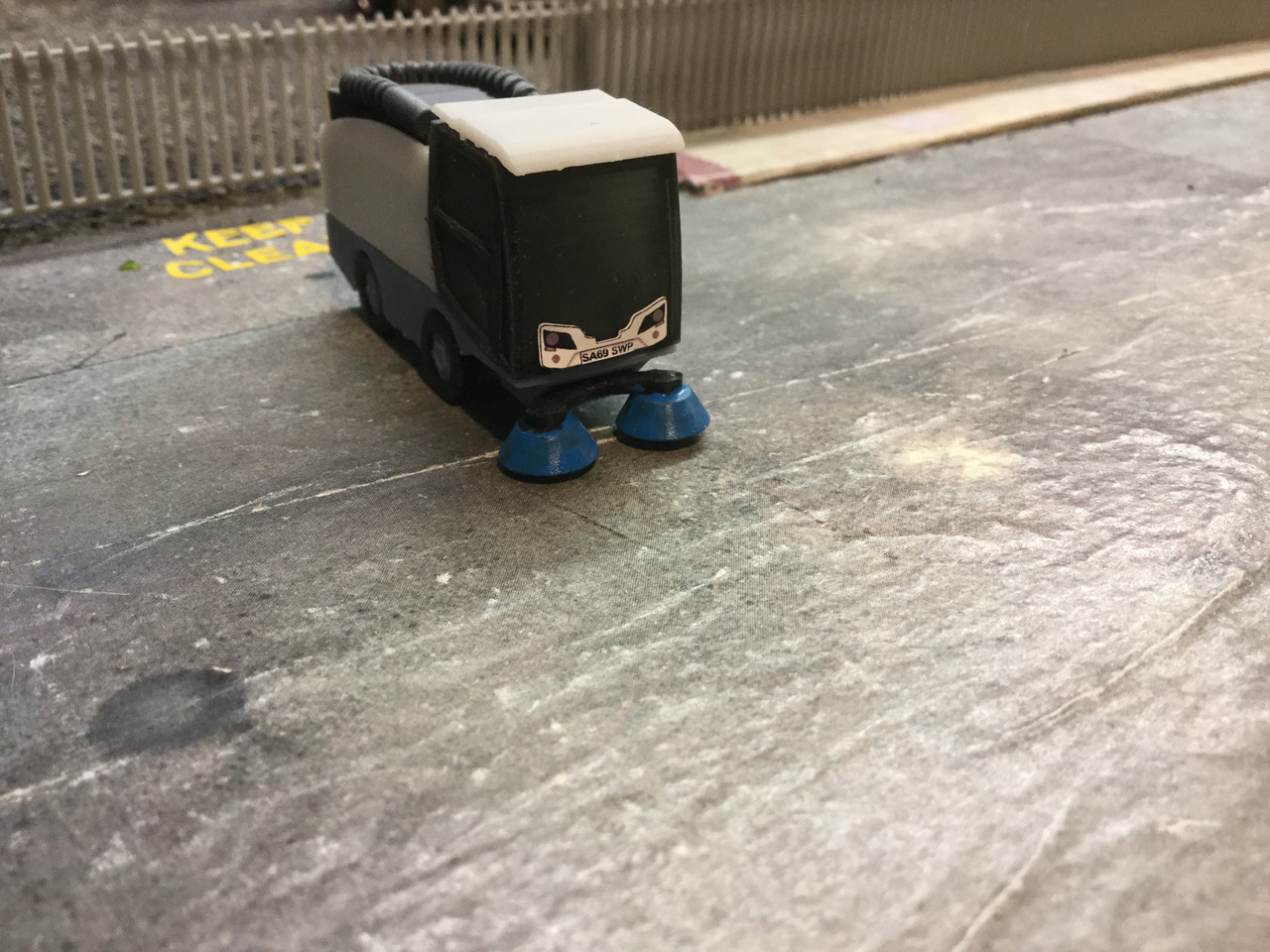 1:76 3D Printed Rohnson Road Sweeper