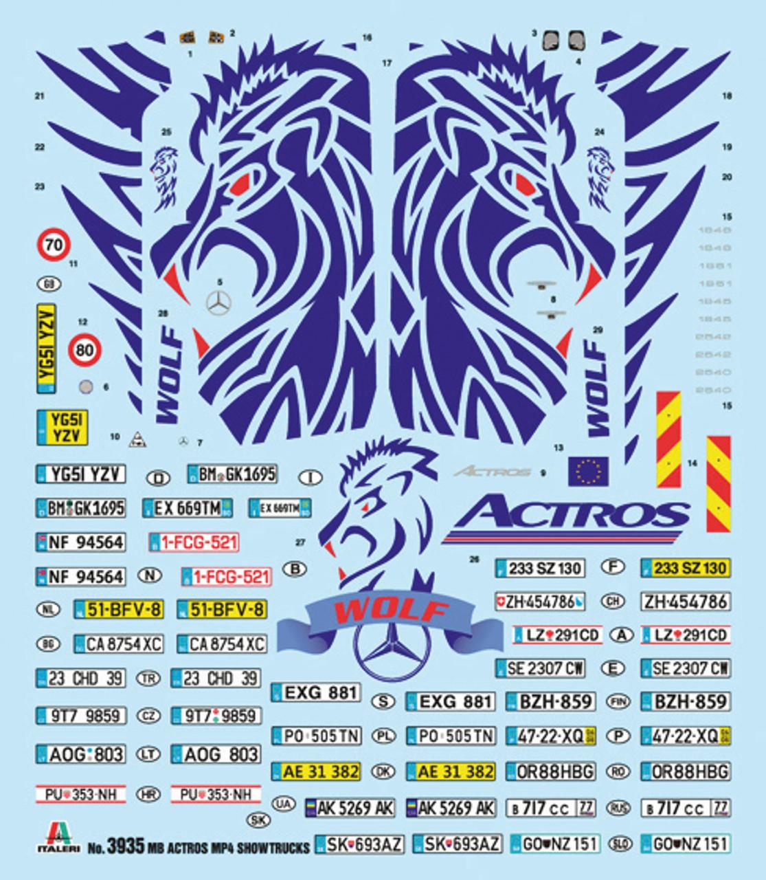 Italeri 1:24 3935 Mercedes-Benz ACTROS MP4 Giga Space Showtruck