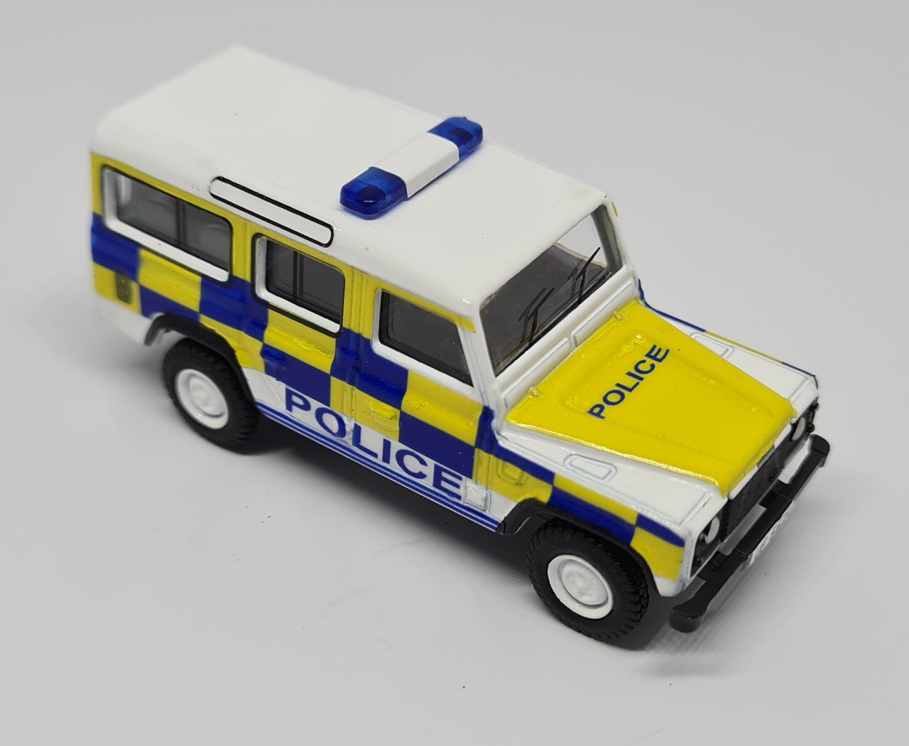 1/76 Code 3 Police Oxford Diecast Police Long Wheel Base Land Rover