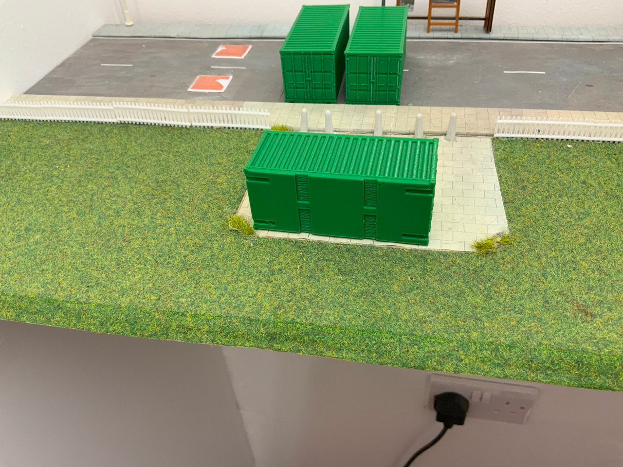 1:76 scale SR Hobbies 3D printed 20ft Green container