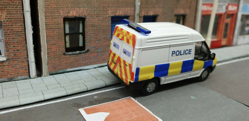 1/76 Code 3 Police Oxford Diecast medium roof Ford Transit