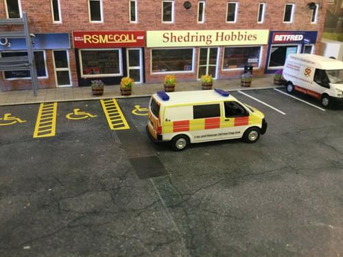 1/76 Code 3 Oxford diecast  Volkswagen T5  Fire & Rescue Dog Unit