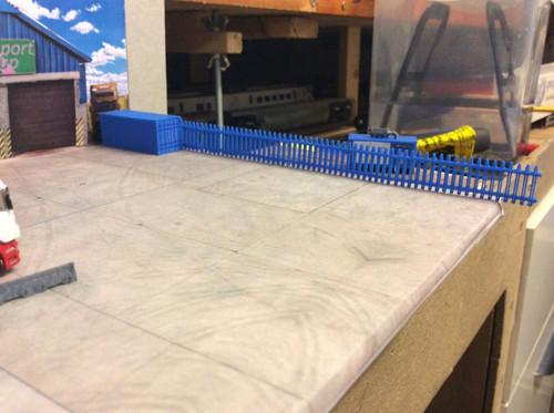 1:148 N Gauge 3d Printed Blue Security Fence, pack of 6