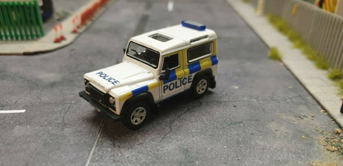 1/76 Code 3 Police Oxford Diecast Police Land Rover